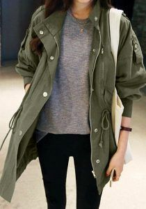For light chills and drizzles, this army green windbreaker jacket is perfect! (Shop link in bio) Army Green Jacket Outfit, Army Jacket Outfits, Utility Jacket Outfit, Parka Outfit, Green Utility Jacket, Olive Jacket Outfit, Outfits With Green Jacket, Green Jeans Outfit, Green Outfits For Women