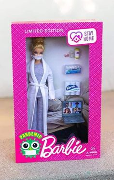 Sick and Tired Of The Panic? Here Are Some Hilarious Corona Virus Memes To Try And Brighten Your Day! – Post 17 – Ronin's Grips Humor Barbie, Barbie Funny, Haha Funny, Funny Cute, Funny Stuff, Barbie Clothes, Barbie Dolls, Barbie Life, Barbie Sets