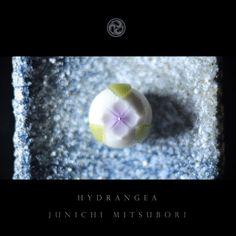 "#JunichiMitsubori #wagashi #kadou #Sweets #Artist #Japanese #Confectionery #works #instaphoto #instasweets #侘寂 #wabisabi #一日一菓 「 #菓道 #紫陽花 」 #煉切 製 #玉華寂菓 wagashi of the day "" #Hydrangea "" #和菓子 #一菓流 #三代目"