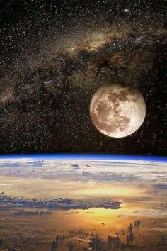 Part of the MilkyWay Galaxy, The Beautiful Moon, and we The Earth in One Photo. The Moon as big as Mercury, almost a planet itself, responsible of much of life on earth. It holds many secrets of why we are alone in Universe. Cosmos, Moon Pictures, Moon Rise, Beautiful Moon, Beautiful Life, To Infinity And Beyond, Milky Way, Science And Nature, Outer Space
