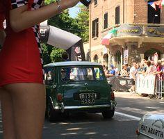 Classic Mini, Classic Cars, Behind The Green Door, Mini Morris, Morris Minor, Smart Car, Car Girls, Hot Cars, Pin Up
