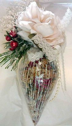 pretty. I love the pot pourri inside the bauble