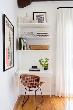 There's so much more to this historic art deco home than meets the eye. It was actually built by a famous American singer in the Any guesses? Tiny Home Office, Home Office Space, Home Office Design, Home Office Decor, Home Decor, Small Home Offices, Small Space Office, Home Office Shelves, Design Offices