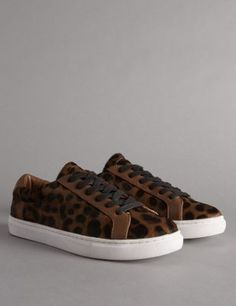 These shoes are made from long-lasting, high quality leather.Timeless animal…