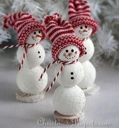 Adorable DIY Styrofoam snowmen - Christmas decor // Aranyos hóemberek hungarocell gömbökből zokni sapkával // Mindy - craft tutorial collection // #crafts #DIY #craftTutorial #tutorial #ChristmasCrafts #Christmas