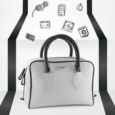 Borsa a bauletto in pelle martellata bianca con dettagli e manici neri. Tracolla rimovibile compresa. Guardala qui -> http://www.modi-fashion.com/prodotto/borsa-bauletto-bicolore #modì #modiglianileatherdesign #leatherdesign #handmade #madeinitaly #handmadeinitaly #bag #bags #fashion #fashionable #instafashion #swag #swagger #model #style #musthave #fashiondiaries #ootd #accessories #tagsta_fashion #borsa #borse #handbag #fashionblogger #artigianato #bauletto #biancoenero #bw #luxurybag