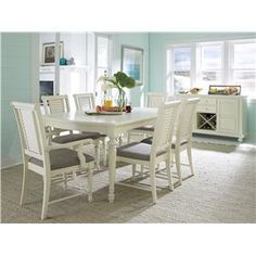 Broyhill Furniture Seabrooke Formal Dining Room Group