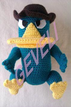 """Perry el Ornitorrinco de Phineas y Ferb (22 cm) - Patrón Gratis en Español ( Click """"Mostrar Patrón"""" y """"continuar"""" aquí: http://gevelipatronesamigurumi1.blogspot.com.es/p/blog-page_12.html"""