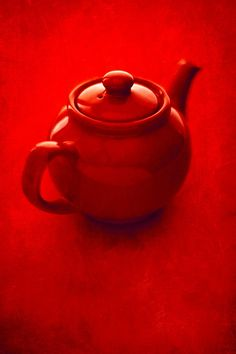 """stanford-photography: """"Red Teapot With Textures """" Color Borgoña, Red Teapot, I See Red, Red Photography, Reflection Photography, Simply Red, Red Wallpaper, Color Naranja, Aesthetic Colors"""