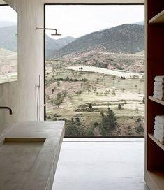 Bath in Moroccan Villa by Studio Ko / Interior * Minimalism by LEUCHTEND GRAU  http://www.leuchtend-grau.de/2014/09/naturtone-villa-in-den-bergen.html