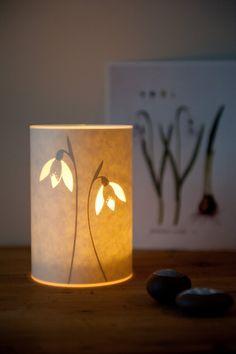 Schneeglöckchen-Kerze-Cover
