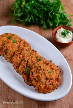 Slimming Eats Recipe - Tuna and Sweet Potato Patties - Gluten Free, Dairy Free, Paleo, Slimming World and Weight Watchers friendly paleo lunch tuna Sweet Potato Recipes, Baby Food Recipes, Tuna Recipes, Kid Recipes, Meal Recipes, Dinner Recipes, Healthy Snacks, Healthy Eating, Healthy Recipes