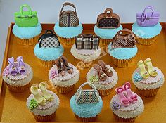 bag and shoes cupcakes