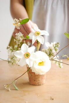 Google Image Result for http://cache.elizabethannedesigns.com/blog/wp-content/uploads/2010/04/DIY-Wedding-Flowers-Lilac-and-Jasmine-Centerpiece-250x375.jpg