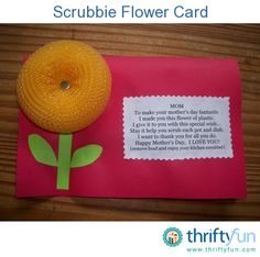 An easy card to make your mom for Mother's Day.  This is an inexpensive craft to make if you don't have a lot of money to spend on a card.  The pot scrubbers only cost $1.00 for 4 in a pack.