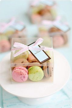 Clear french macaron party favors so guests can see the cute yumminess inside.