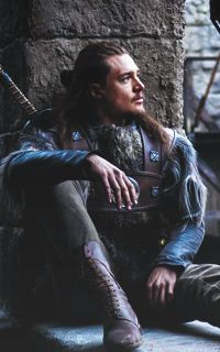 Uhtred Von Bebbanburg, Most Beautiful Man, Beautiful People, Alexander Dreymon, Colourpop Eyeshadow, Film Books, Hot Actors, Ragnar, Pretty Men