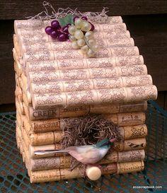 Homemade Wine Cork Crafts including this Lovely Wine Cork Bird House. Wine Craft, Wine Cork Crafts, Wine Bottle Crafts, Wine Cork Birdhouse, Birdhouse Craft, Diy Cork, Wine Cork Projects, Craft Projects, Craft Tutorials