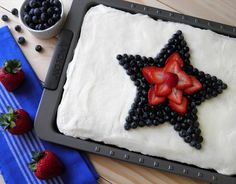 Patriotic Almond Sheet Cake | Dulce Dough Recipes
