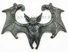 Large Night Nocturnal Bloodlust Bat Wall Bust Sculpture Hanging Decor Figurine