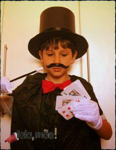 Magicien costume -  cartola de mágico com lata de panettone