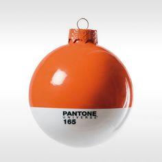 Pantone kerstbal Vitamin C 165 door Pantone Design