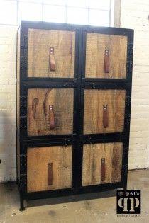 Industrieel brocante lockerkast met mango houten deurtjes, leren handgrepen en ijzeren frame