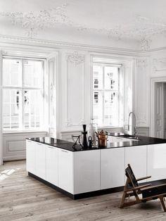 Amazing u-shaped kitchen island. Kviks-Danish-Kitchen-Remodelista