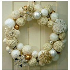 2015 Christmas yarn wrapped ball wreath with silver and golden glitter snowflakes, jingle bells - Christmas ornament, home decor - 2015 Christmas ball wreath decor ideas that you will need ! by leighmason Christmas Yarn, Christmas Bells, White Christmas, Christmas Ornaments, Ornaments Ideas, Christmas Fashion, Christmas Tree, Christmas Projects, Holiday Crafts