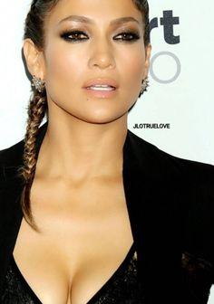 Pin by Siguita on Makeup Looks Jennifer Lopez Makeup, Jennifer Lopez Outfits, Jennifer Lopez News, Jlo Makeup, Beauty Makeup, Hair Makeup, Hair Beauty, Janet Jackson Videos, Jlo Glow