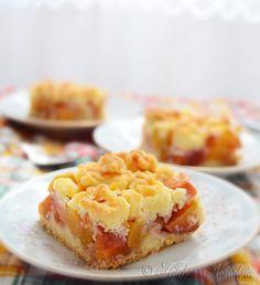Peach Crumb Bars | Kitchen Nostalgia