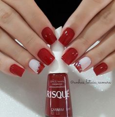 Best Christmas Nail Art Trending This Season Amazing red and white Christmas nails.Amazing red and white Christmas nails. Xmas Nails, Holiday Nails, Red Nails, Red And White Nails, Valentine Nails, Red Manicure, Manicure Colors, Halloween Nails, Christmas Nail Designs