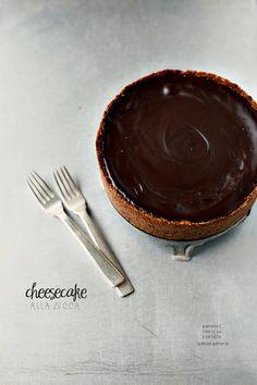 """""""Cioccolato e....."""" alla fine tocca proprio a me, arrivo per ultima, l' ultima delle prime però! L' ultima perchè siamo arrivati al..."""
