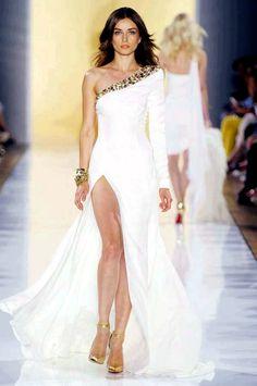 Just revealing enough... Delightful #wedding dress!