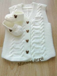 Baby clothes should be selected according to what? How to wash baby clothes? What should be considered when choosing baby clothes in shopping? Baby clothes should be selected according to … Knitting For Kids, Baby Knitting Patterns, Crochet For Kids, Knitting Designs, Baby Patterns, Free Knitting, Crochet Baby, Knit Crochet, Cardigan Outfits