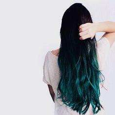 Hair Goals Layers Balayage Ideas For 2019 Coloured Hair, Dye My Hair, Dyed Hair Ends, Grunge Hair, Cool Hair Color, Gorgeous Hair, Balayage Hair, Blue Hair, Blue Dip Dye Hair