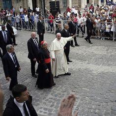 Papa Francesco arriva alla cattedrale di San Cristobal #Cuba