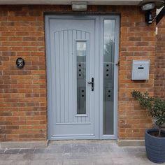 Silver grey palladio door Grey Front Doors, Front Door Colors, Porch, Garage Doors, Entryway, New Homes, House Exteriors, Outdoor Decor, Rome