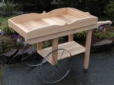 Flower cart, flower stand, bar on a deck or patio or even a potting bench Diy Wood Projects, Outdoor Projects, Garden Projects, Wood Crafts, Woodworking Projects, Outdoor Decor, Farmers Market Display, Vegetable Stand, Garden Cart