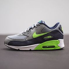 Nike air max 90 og blue Used heavily but no smell. Good for
