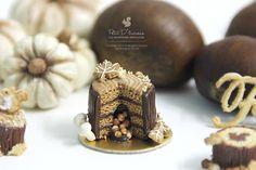 Tree Stump Chocolate Pinata Cake in 1/12th par PetitDlicious