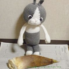"roshino041103::  たけのこですウイはたけのこを見るのは初めて ウイこれはどうやって食べるんだろう  It's a bamboo shoot. It's the first time for Oui to see one. Oui: ""This thing How do I cook it?""  #amigurumi #crochet #handmade #amigurumiaddict #crochetaddict #amigurumicrochet #amigurumis #crocheting #crochetlove #yarn #RoshinoTifti #Roshino #kawaii #cute #toy #toys #bambooshoots #produce #あみぐるみ #かぎ編み #ハンドメイド #編みぐるみ #ロシーノ #かわいい #おもちゃ #たけのこ #うさぎ #筍 #bunny"