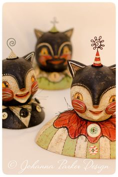 Vintage-button-covered-Cats by Johanna Parker Design, via Flickr (inspiration for paper mache.)