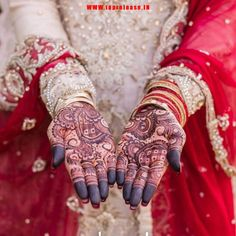 There is a design in which they make the checker shapes in the round shape. which is incredibly enhance the look of the woman. Mehndi Designs For Hands, Bridal Mehndi Designs, Hand Mehndi, Henna, New Launch, Easy Drawings, Product Launch, Shapes, Woman