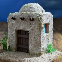 1 million+ Stunning Free Images to Use Anywhere Rustic Christmas Ornaments, Christmas Nativity Scene, Christmas Villages, Christmas Diy, Christmas Decorations, Crafts To Do, Home Crafts, Medieval Houses, Ceramic Houses
