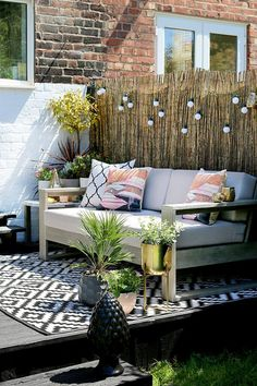 Garden Design The gold accents really make this design pop. I don't think there is any better way of getting the family outside than having beautiful garden furniture. - My boho glam summer garden is revealed kicking off Diy Garden Furniture, Outdoor Furniture Sets, Furniture Ideas, House Furniture, Origami Furniture, Outside Furniture, Furniture Repair, Teak Furniture, Furniture Websites