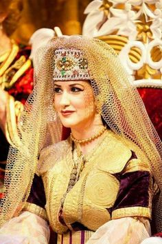 Femmes Du Maroc, Mariée Marocaine, Caftan Marocain, Tissus, Couleurs,  Broderie, 8dd4e010f6f