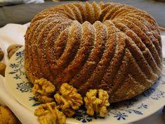 kudy-kam...: Ořechová bábovka s čokoládou Breakfast, Cake, Sweet, Food, Morning Coffee, Candy, Kuchen, Essen, Meals