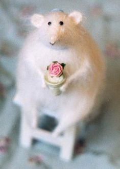 mouse with a gift, http://myfrenchcountryhome.blogspot.com   she makes stunning animals