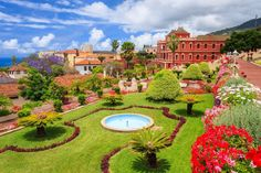 Tropical botanical gardens in La Orotava town, Tenerife, Canary Islands Great Places, Places To See, Beautiful Places, Santa Cruz Shopping, Grand Canaria, One Day Tour, Puzzle Of The Day, Island Beach, Canary Islands